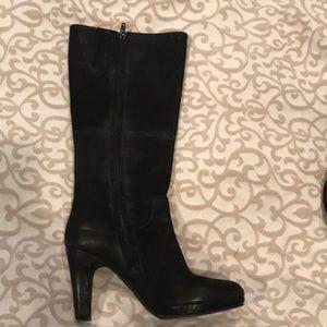 Steve Madden 7.5 blacked heeled boot